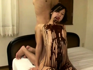 Jav Idol Suzu Ichinose Covered In Chocolate