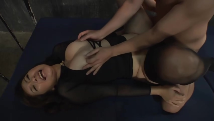 curvy asian MILF in a pantyhose