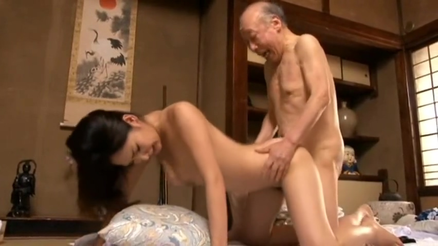 Erotic Japanese women sex with a Bald Old man Creampie It feels good