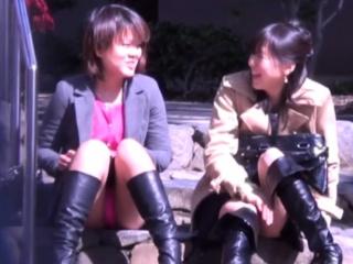 Japanese babes upskirt