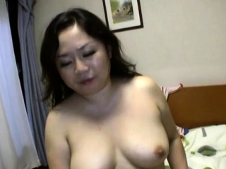 Sizzling blow job act from a stunning mature japanese