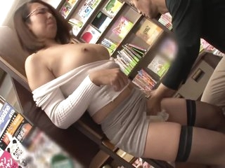 Molesting A Big Breasted Young Wife at the Bookstore and Silently Bringing Her to Climax