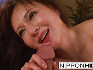 Asian hottie wants her pussy filled with cum