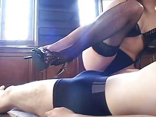 A Fetish Handjob from a Sexy Milf. YS